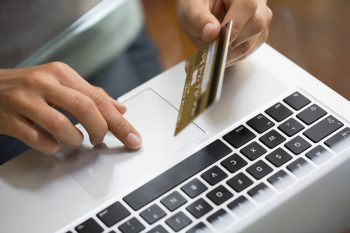 Cómo usar una Tarjeta de Crédito y no morir en el intento